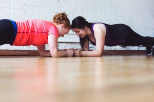 women-who-plank-together_4460x4460